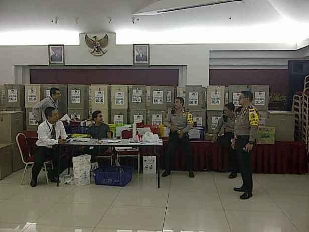 Situasi Penjagaan Kotak TPS di KBRI Kuala Lumpur